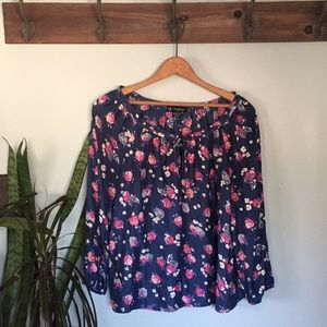 American Eagle floral print blouse
